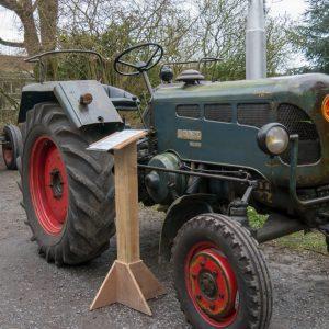 Exposition de tracteurs anciens